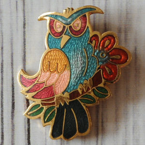 vintage gold enamel angry bird brooch pin